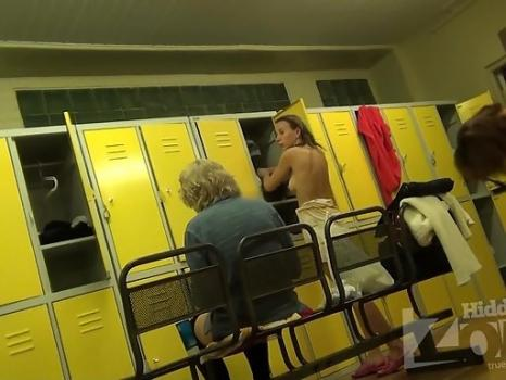 Hidden-Zone.com-Lo1390# Girls and women dress up in the pool locker room. Our locker room voyeur cam is well hidde