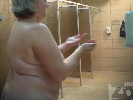 Hidden-Zone.com-Sh1095# Thick old woman shakes big tits and shows all in front of our hidden camera. On the fan -