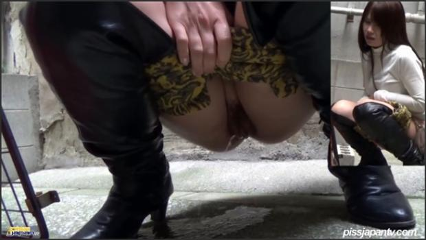 Sexjapantv.com-Longhaired Ladies Can't Stop the Pee